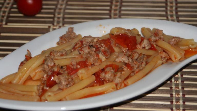 pasta salsiccia e pomodorini